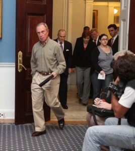 Mayor Michael R. Bloomberg entering the Blue Room with Raymond W. Kelly and City Council Speaker Christine C. Quinn. (Photo by Maurice Pinzon)